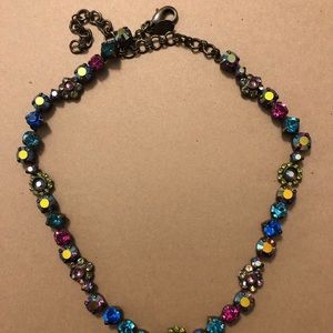 Sorrelli classic necklace in blues and pinks.